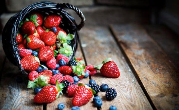 berries-600x371