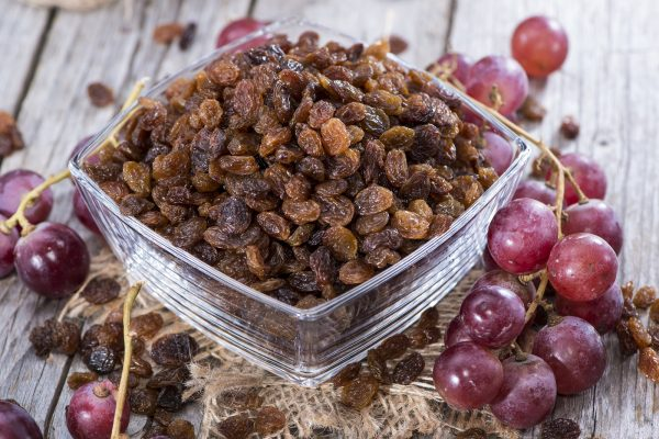 seeded raisins