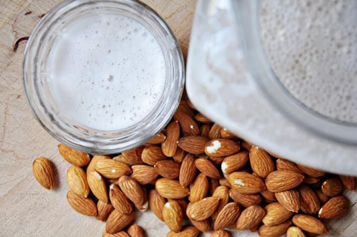 almond-milk3