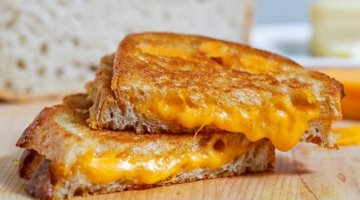 6 Scary Pieces Of Evidence That Explain Why You Should Never Eat Cheese